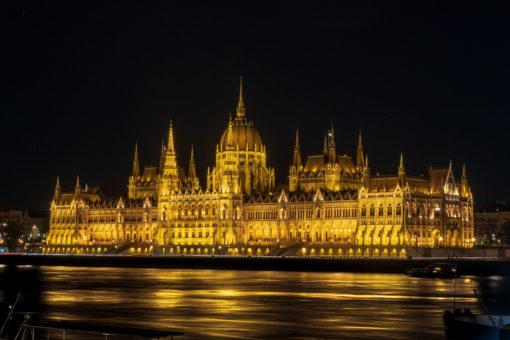 Parlament bei Nacht 2